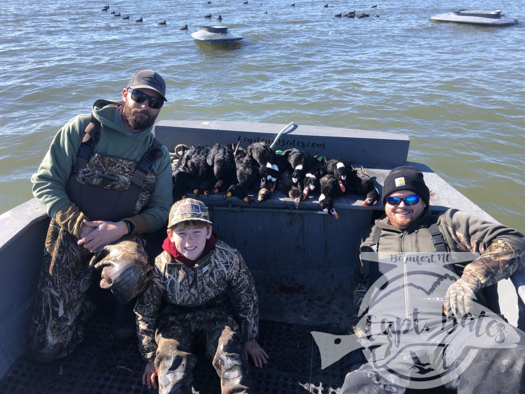 Capped the season off with my favorite youth hunter and 2 of my best Veteran buddies... all three got a trophy for wall, killing their first surf scoter drake(s). I got to spend some time in the layout, couldn't have asked for a better way to wrap up our season. Patrick Poindexter got some great video and pictures of Jason Tucker, us and the birds! Thanks guys!!